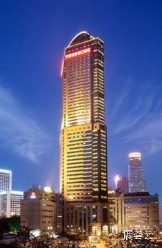 南京金鹰皇冠假日酒店